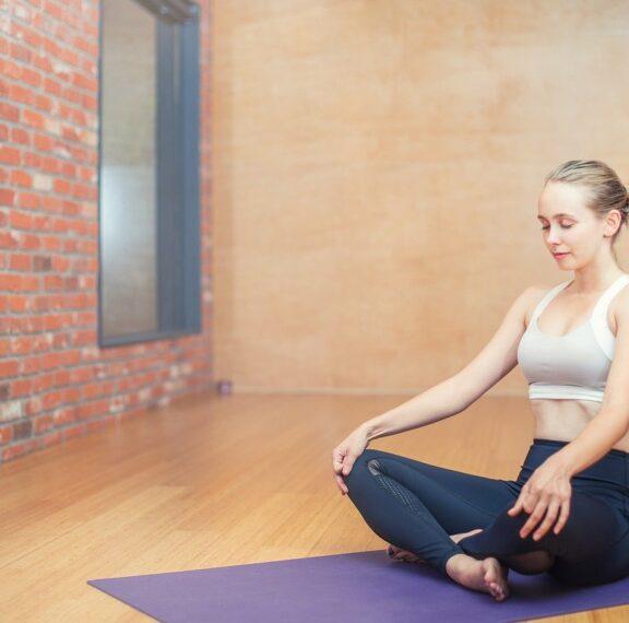5-εύκολες-στάσεις-της-γιόγκα-για-πόνους
