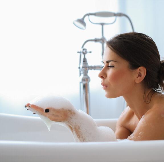 τα-10-essentials-για-να-μετατρέψεις-το-μπάνιο-σου