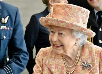 τα-καλλυντικά-της-βασίλισσας-ελισάβε