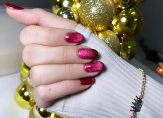 velvet-nails-το-νέο-χριστουγεννιάτικο-trend-στα-νύ