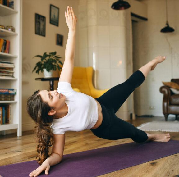 5-ασκήσεις-που-μπορείς-να-κάνεις-το-απόγ