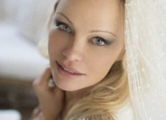 νύφη-για-6η-φορά-η-πάμελα-άντερσον-παν