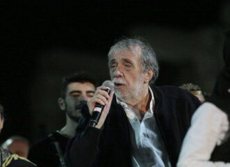 πέθανε-ο-σπουδαίος-τραγουδιστής-αντώ