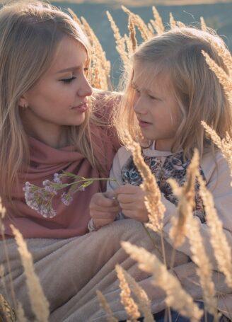Η μητέρα μου λέει ψέματα πως είναι πιστή στον πατέρα μου- Πώς μπορώ να την εμπιστευτώ;