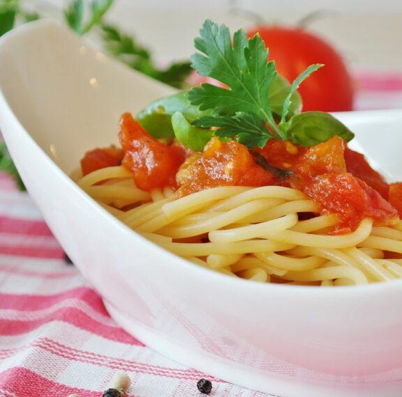 μακαρόνια-με-φέτα-και-ντομάτα-η-ελληνι