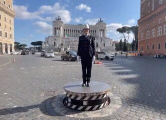 ρώμη-για-πρώτη-φορά-γυναίκα-τροχονόμο