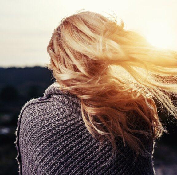 4-λόγοι-για-να-εφαρμόσετε-στα-μαλλιά-σας