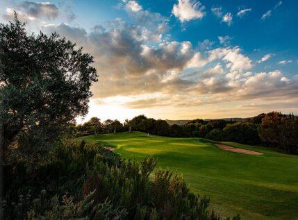 Το Navarino Hills υποδέχεται για πρώτη φορά το Messinia Pro-AM 2021 – Οι διάσημοι που υποδέχεται στο τουρνουά γκολφ