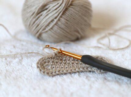 Εσύ ξέρετε να πλέκετε με βελονάκι; Αν όχι, ιδού η ευκαιρία!