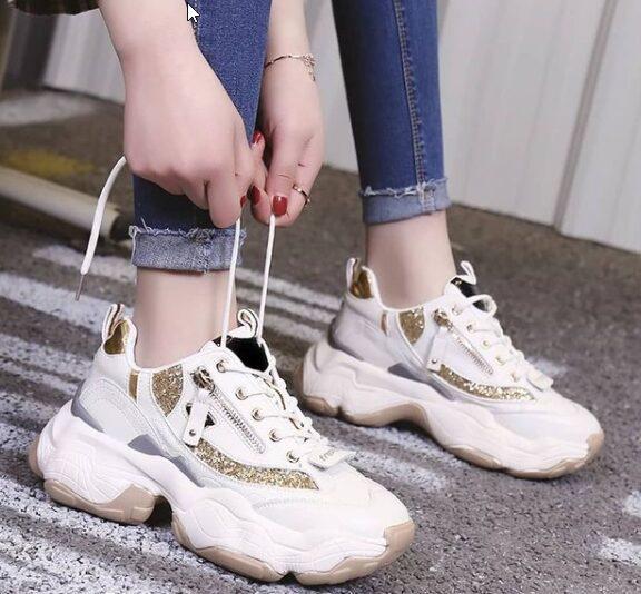 h-τάση-στα-sneakers-που-λατρεύουν-και-οι-πoδίατρ