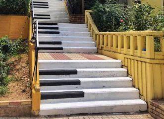 η-απίστευτη-σκάλα-πιάνο-στο-παγκράτι-α