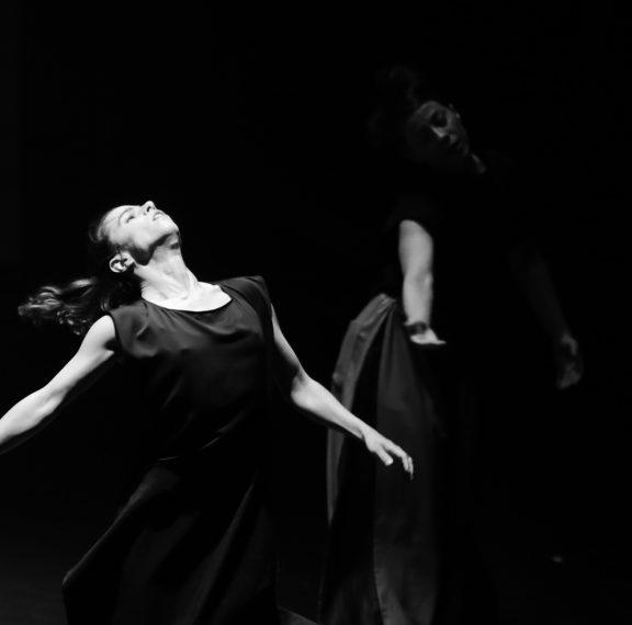 χορομανία-όταν-δεκάδες-άνθρωποι-άρχι