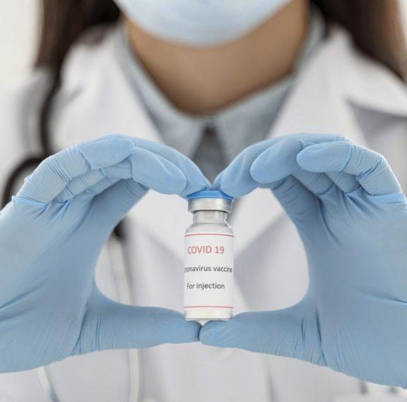 εμβόλιο-ανοίγουν-πάνω-από-400-000-ραντεβού-8211