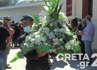 βουβός-θρήνος-στην-κηδεία-της-44χρονης-γ