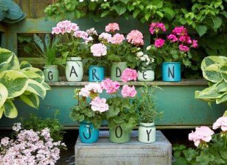 DIY ιδέες με γεράνια για να γίνει το μπαλκόνι σας ο μικρός σας παράδεισος