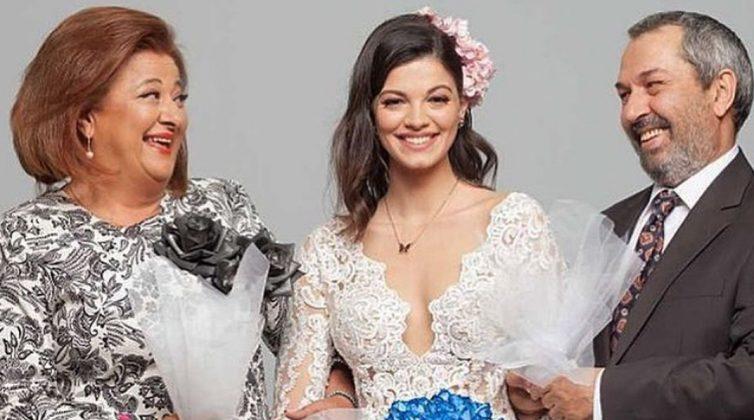 Τζένη Καζάκου: Η εγγονή της Τζένης Καρέζη φόρεσε νυφικό - Θα πρωταγωνιστήσει στη νέα σειρά του Mega