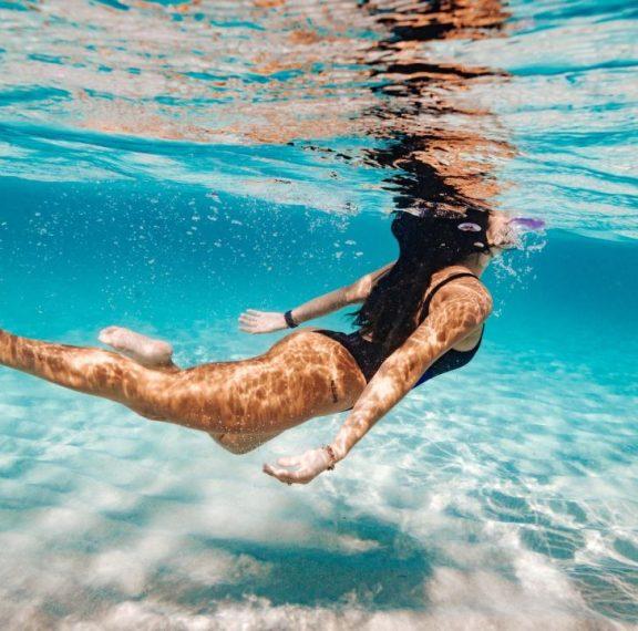 πέντε-εύκολες-ασκήσεις-μέσα-στη-θάλασ