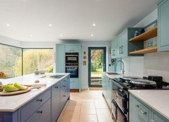 Πολύχρωμες κουζίνες: 10 ιδέες για να προσθέσετε ζωντάνια στο σπίτι σας