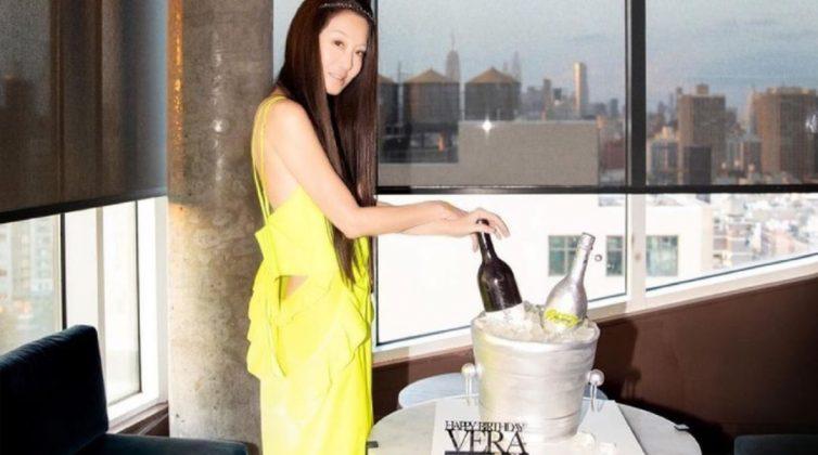 """Η Vera Wang στα 72 της τρελαίνει κόσμο με τη νεανική της εμφάνιση - """"Μα τι πίνει;"""""""