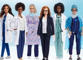 """Μια Barbie - επιστήμονας προς τιμήν της γυναίκας που """"πολέμησε"""" τον κορωνοϊό"""