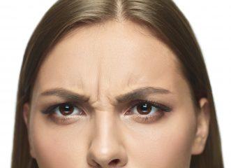 Ποιοι παράγοντες οδηγούν σε χαλάρωση δέρματος; Πώς θα το αντιμετωπίσετε;