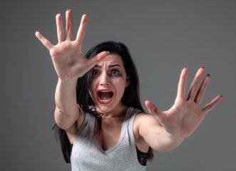 θύμα-ενδοοικογενειακής-βίας-πήγε-να