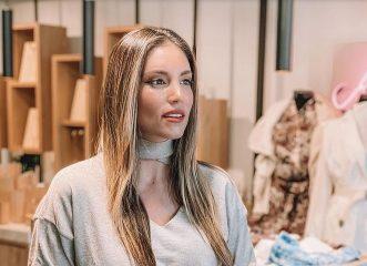 Η Αθηνά Οικονομάκου τόλμησε μία εντυπωσιακή αλλαγή στα μαλλιά της - Το look Φάρα Φόσετ που της ταιριάζει απόλυτα