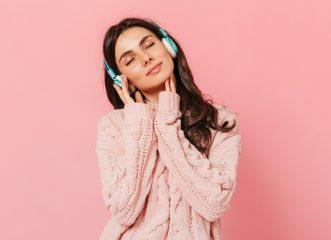 Η καθημερινή συνήθεια που αποτελεί τη Νο1 απειλή για την ακοή μας!
