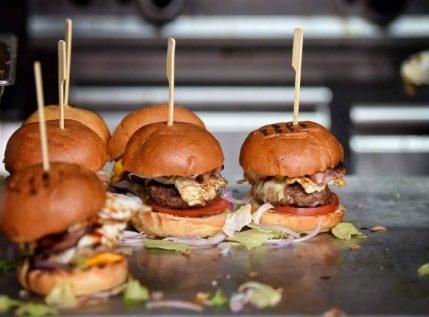 Burger Fest: Η μεγάλη γιορτή του burger επιστρέφει ξανά, όπως πρέπει!