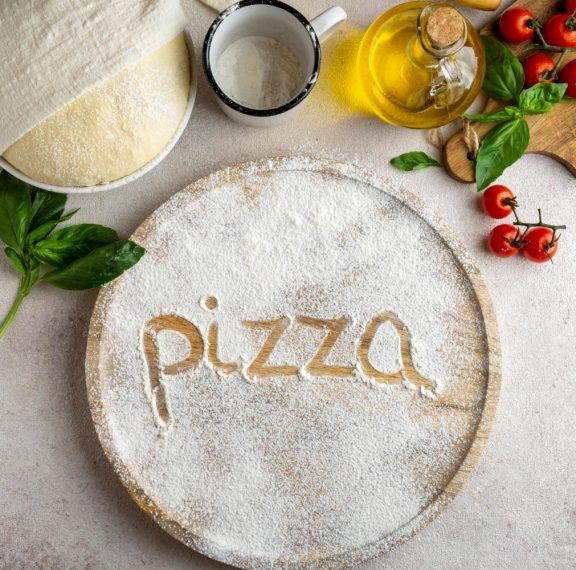 ζύμη-για-πίτσα-με-δύο-μόνο-υλικά-σκέφ