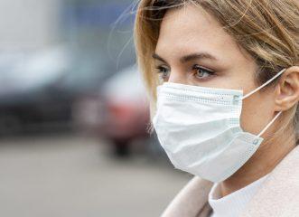 Ανησυχία για ταυτόχρονη έξαρση κορονοϊού και εποχικής γρίπης - Γιατί το φετινό φθινόπωρο θα είναι πιο επικίνδυνο