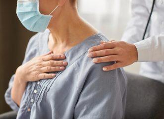 Η ελληνική πρόταση για την αντιμετώπιση της πνευμονίας από COVID-19 δείχνει σημαντική μείωση θανάτων