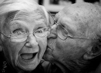 Ο έρωτας δεν φτάνει - Τελικά, υπάρχει κάποιο manual για να κρατήσει μία σχέση;
