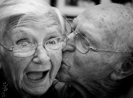 Ο έρωτας δεν φτάνει – Τελικά, υπάρχει κάποιο manual για να αντέξει μία σχέση στον χρόνο;