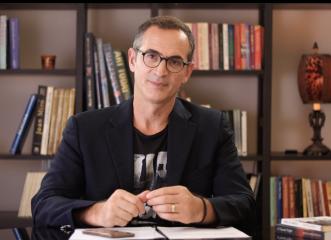 Γινόμαστε άνθρωποι απάνθρωποι - Γράφει ο συγγραφέας και ηθοποιός Κώστας Κρομμύδας