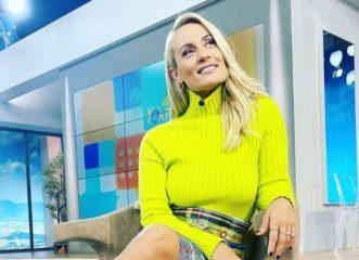 Η Ελεονώρα Μελέτη φόρεσε το χρώμα που θα κάνει θραύση φέτος τον χειμώνα!