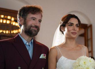 """Τόνια Σωτηροπούλου - Κωστής Μαραβέγιας: Η πρώτη φωτογραφία από τον γάμο τους και το νυφικό που """"έκλεψε"""" τις εντυπώσεις!"""