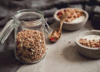 Γκρανόλα: Μάθε τα πάντα για αυτό το θρεπτικό τρόφιμο - 4 super ιδέες για το πρωινό σου!