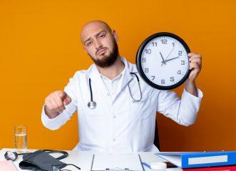 Δεν μπορείς να συνεργαστείς με τον γιατρό σου; Τα σημάδια που δείχνουν ότι πρέπει να αλλάξεις