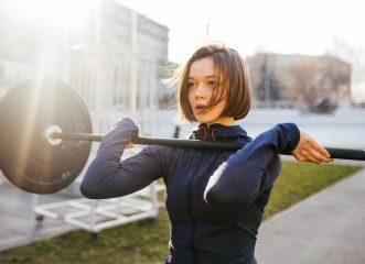 Άσκηση με βάρη: Μη διστάζεις να σhκώσεις την μπάρα, τα οφέλη είναι πολλά