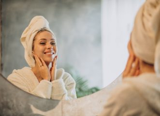 Αυτά είναι τα τρία βασικά βήματα για την beauty routine της επιδερμίδας σας!